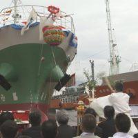 オイルタンカー進水式2